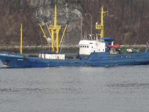Новороссийск, в порту, корабль