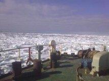 Крюинги мурманска, баренцево море, льды, транспортное судно.