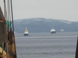 в порту, корабли, суда.