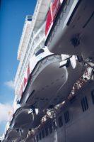 спасательные шлюпки, плоты, на круизном лайнере.